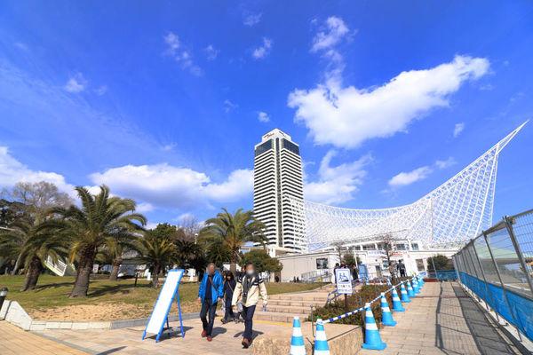 カワサキワールドと高層ホテル