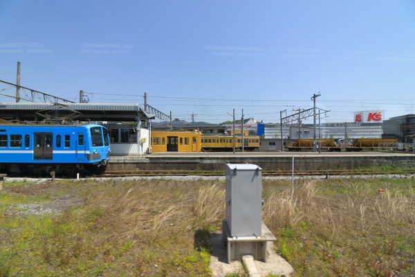 彦根駅に停車中の近江鉄道