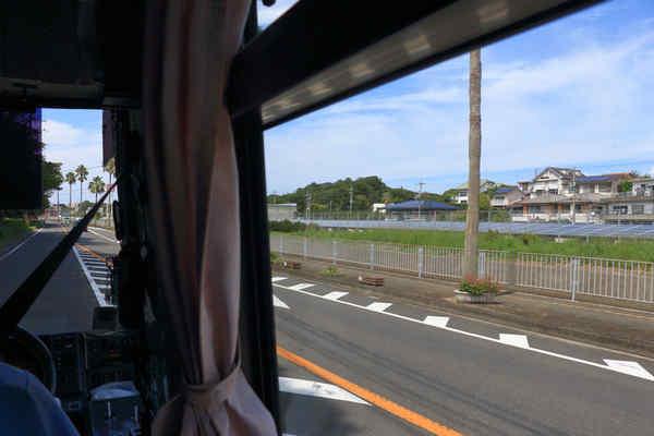 バス乗車中...