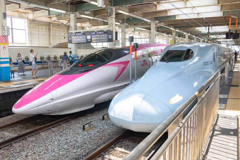 ハローキティ新幹線とみずほ614号