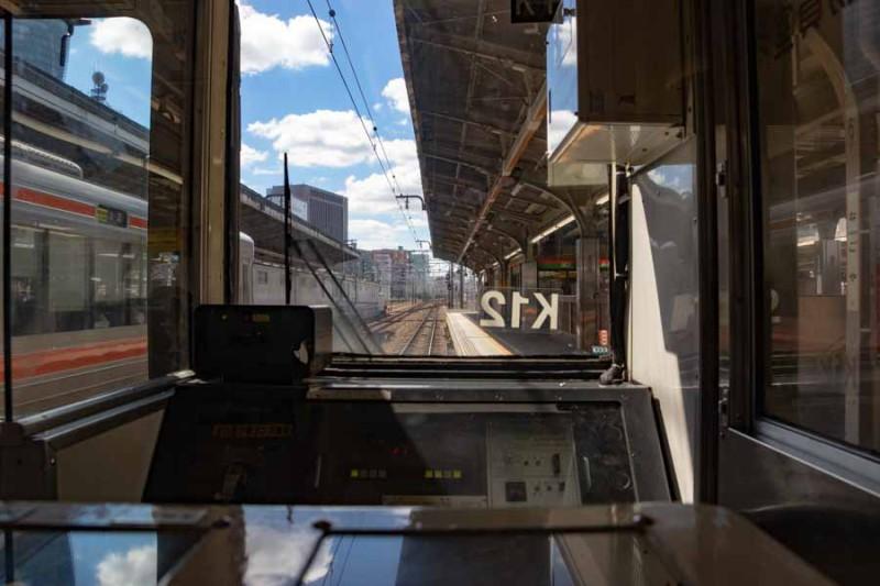 211系中津川行き名古屋駅塩尻方面の風景
