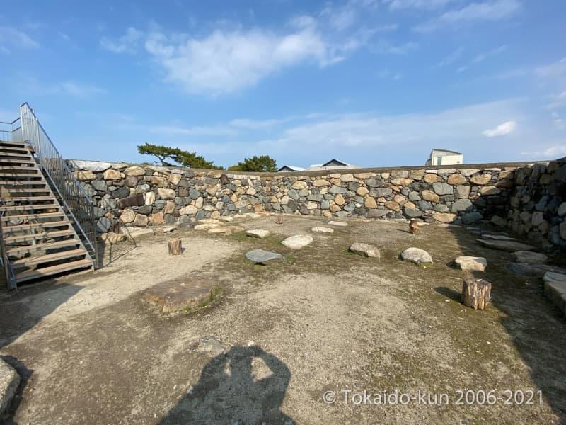 高松城の天守台(立入可能)