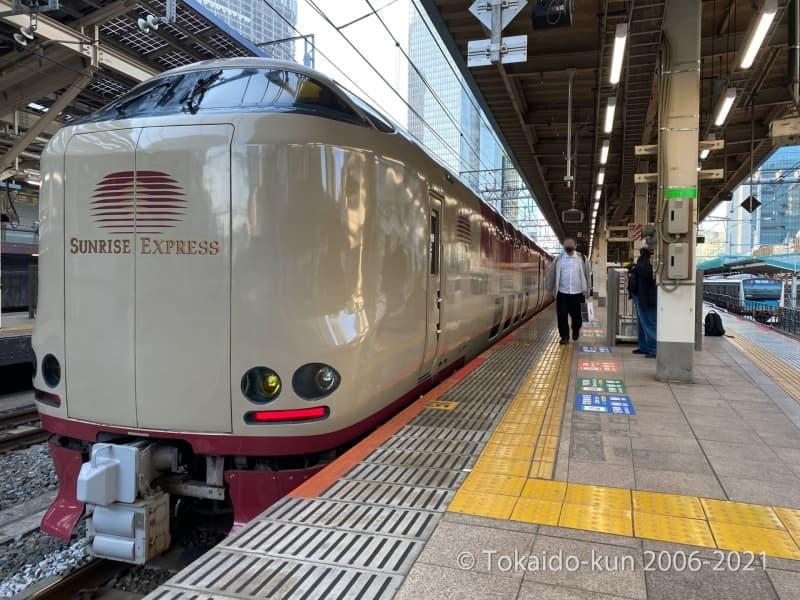 東京駅に停車中のサンライズ瀬戸・出雲