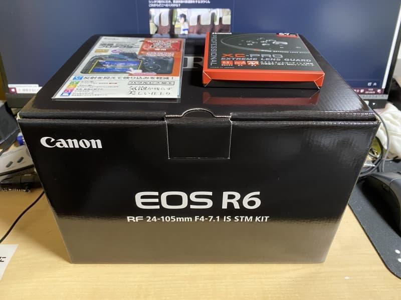 EOS R6が入った箱